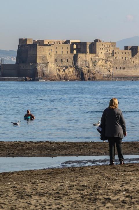 Bagno di fine novembre a napoli newfotosud giacomo di - Malta a novembre bagno ...