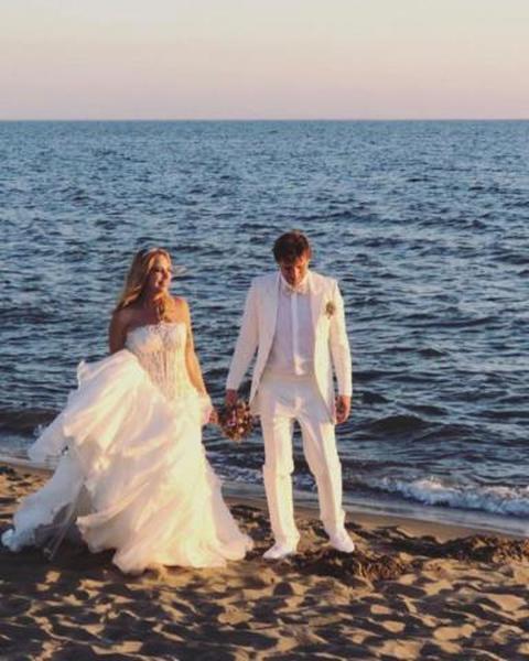 Matrimonio Spiaggia Salerno : Stefania orlando si sposa: le foto più belle del matrimonio sulla